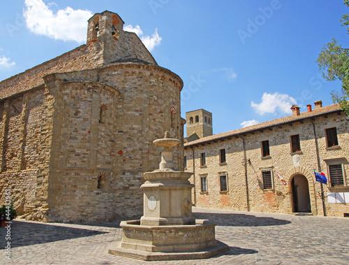 Romagna Apennines, San-Leo village antique water well