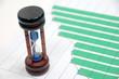 ビジネスイメージ―棒グラフと砂時計