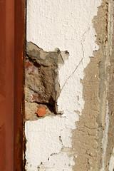 Schäden an Hauswand