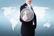 Geschäftsmann drückt auf Zeiterfassungsknopf