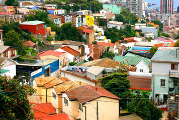 Blick auf Altstadt von Valparaiso, Chile