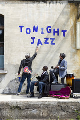 tonight live jazz on the street, three jazz men