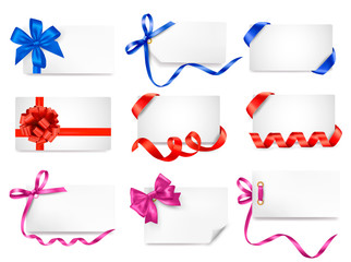 Set of card note with colorful gift bows