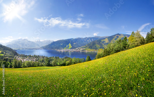 Plexiglas Alpen Panorama view over Zell am See, Austria