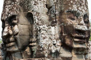 Gesichter von Lokeshvara im Bayon Tempel