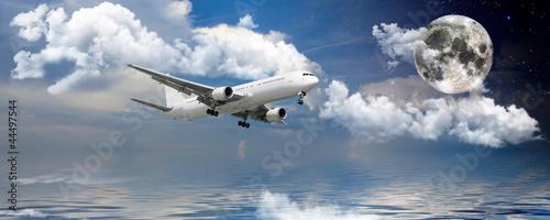 World travel airplane