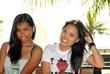 Zwei hübsche Mädchen auf den Philippinen