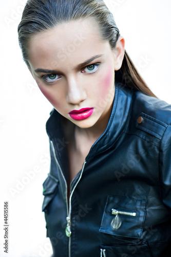 pretty brunet beauty portrait - 44515586