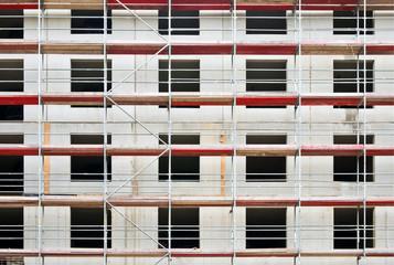 Baugerüst an einem Neubau