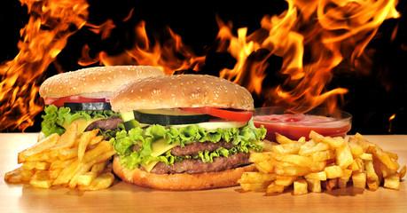 Menú de hamburguesas en barbacoa.