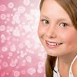 Mädchen mit großen Augen, Pink Bokeh