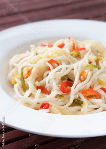 Sauteed noodles with vegetables