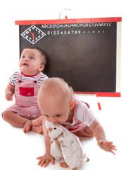 deux bébés et rentrée des classes