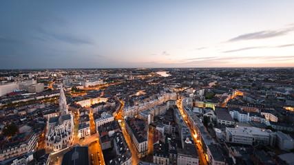 Nantes au crépuscule