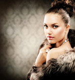 Fototapety Beautiful Woman in Luxury Fur Coat