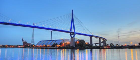 Brücke über die Elbe panorama