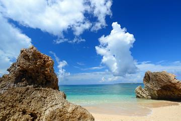 南国沖縄の美しい海
