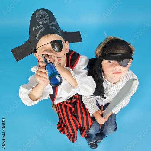 Leinwanddruck Bild zwei kleine Piraten