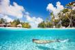 Fototapeten,frau,schwimmenten,unterwasser,urlaub