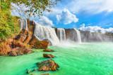 Fotoroleta Dry Nur waterfall