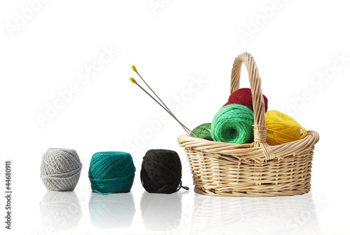 Basket with wool