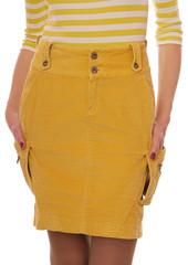 Желтая вельветовая юбка.