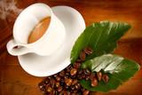 Caffè caldo in tazza