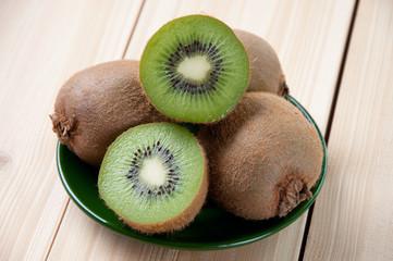 Still life food: kiwi