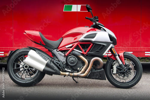 Leinwanddruck Bild Red Italian motorcycle