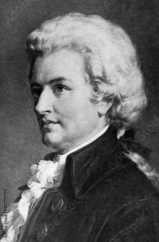 Mozart - 44800996