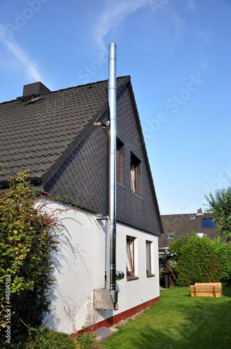 schornstein am Wohnhaus für einen Kamin