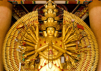 thousand-hands-u-lai-supreme-god-in-chinese-culture
