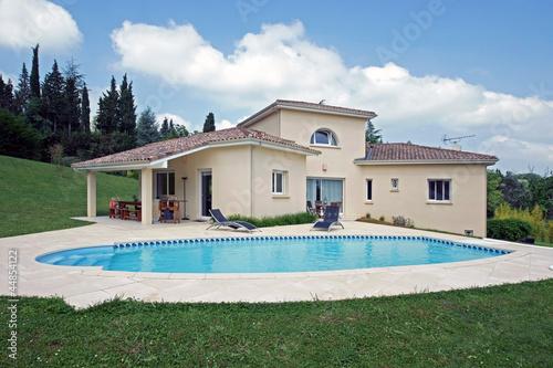 belle villa avec piscine  # 06