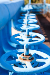 Line from blue vents of oxigen gate valves