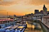 Landungsbrücken am Hamburger Hafen - Abendstimmung
