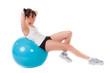 übung auf dem fitnessball