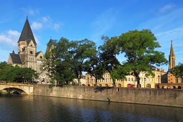 Au bord de la Moselle à Metz