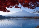 Fototapeta jesień - piękny - Starożytna Budowla