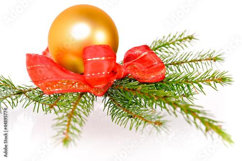 weihnachtskugel mit tannenzweig stockfotos und lizenzfreie bilder auf bild 44895774. Black Bedroom Furniture Sets. Home Design Ideas
