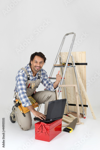 Carpenter contact his customers via the Internet