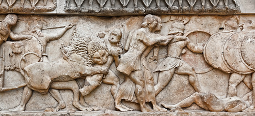 Battle in greek pediment sculpture