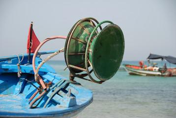 bateau de pêche sur la plage d'Hammamet 5