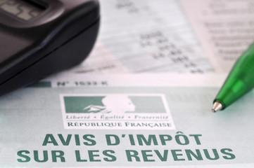Impôt sur les revenus