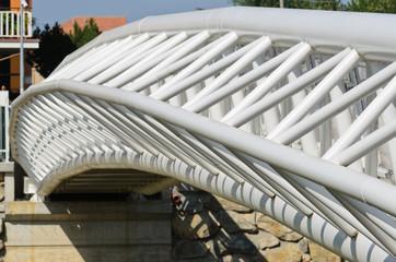 Ponte ad arco con travi reticolari
