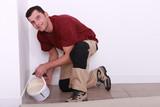 Pouring floor tiler product