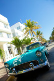 Vintage car sulla Ocean Drive miami