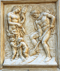 Bologna Saint Petronius Basilica decoration: The hard work