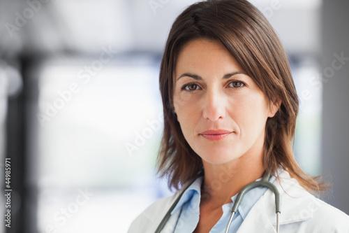 Docteur dans le couloir Poster