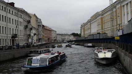 Канал в городе Санкт-Петербург