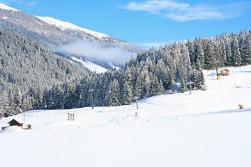 Bergwelt - Winterlandschaft - Gondelbahn